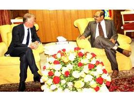 PM Meles_with Dannish Foreign Affairs Minister Villy Sovndal